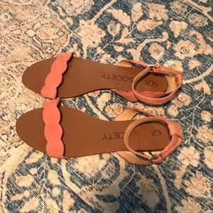 Sole society scallop sandals